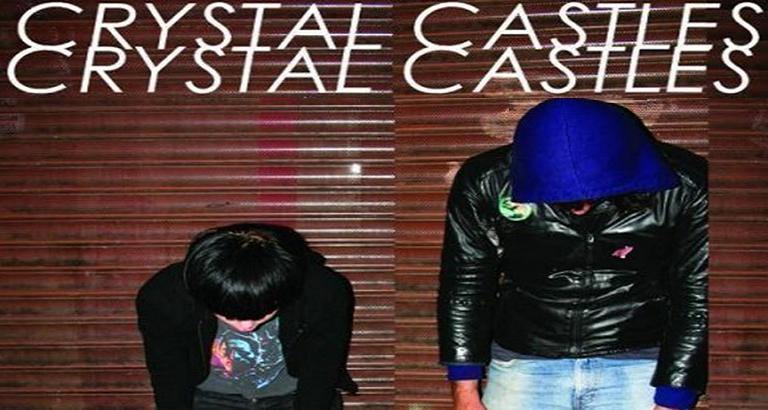 Crystal Castles adelantó los temas del nuevo disco