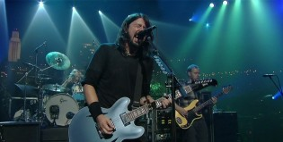 "Foo Fighters hizo un cover de ""Two Headed Dog"""