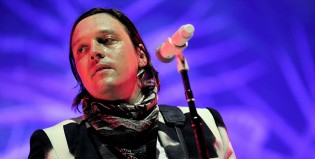 El cantante de Arcade Fire comparte un mash up