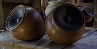 Parlantes para amplificar el sonido de la tierra