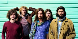 Tame Impala presentó un polémico video