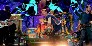 Coldplay y James Corden homenajearon a Prince