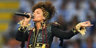 Alicia Keys calentó el estadio antes de la final de la Champions League
