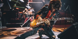 Hospitalizaron a Joe Perry