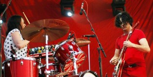 "Mil músicos tocan al mismo tiempo ""Seven Nation Army"" de The White Stripes"