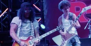 """Miren a Slash sorprender y tocar junto al elenco de """"School Of Rock"""""""