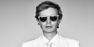 "Beck estrena video de ""Wow"""