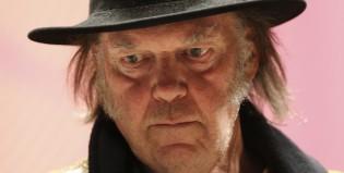 Neil Young se niega al descanso y anuncia su segundo disco en este 2016