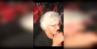 """La """"abuela"""" de Robbie Williams es todo lo que está bien"""