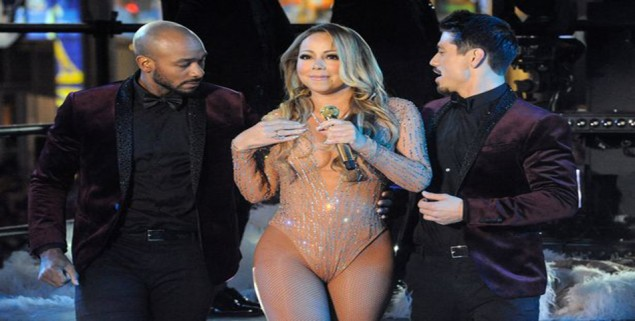 Mariah-Carey-performs-during-a-concert-in-Times-Square-on-New-Years-Eve-in-New-York