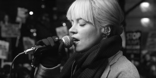 "Lily Allen versiona ""Going To A Town"" de Rufus Wainwright"