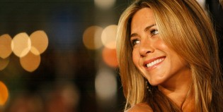 Jennifer Aniston derrite las playas de México