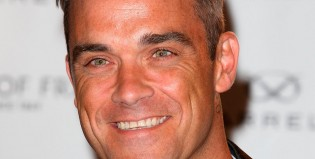 Robbie Williams fumó marihuana en el Palacio de Buckingham