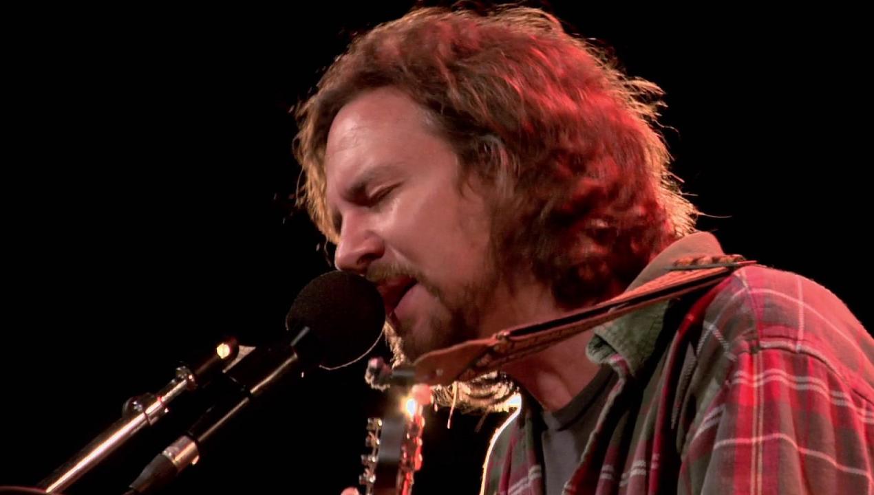 ¡Eddie Vedder zapó a beneficio y la rompió!