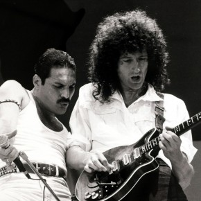 """Entertainment/Music, Live Aid Concert, Wembley, London, England, 13th July 1985, British singer Freddie Mercury with guitarist Brian May as """"Queen"""" perform at the charity concert  (Photo by Popperfoto/Getty Images)"""