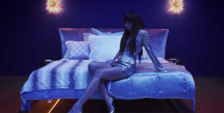 Bruno Mars y toda la sensualidad de Zendaya en el video de Versace on the Floor