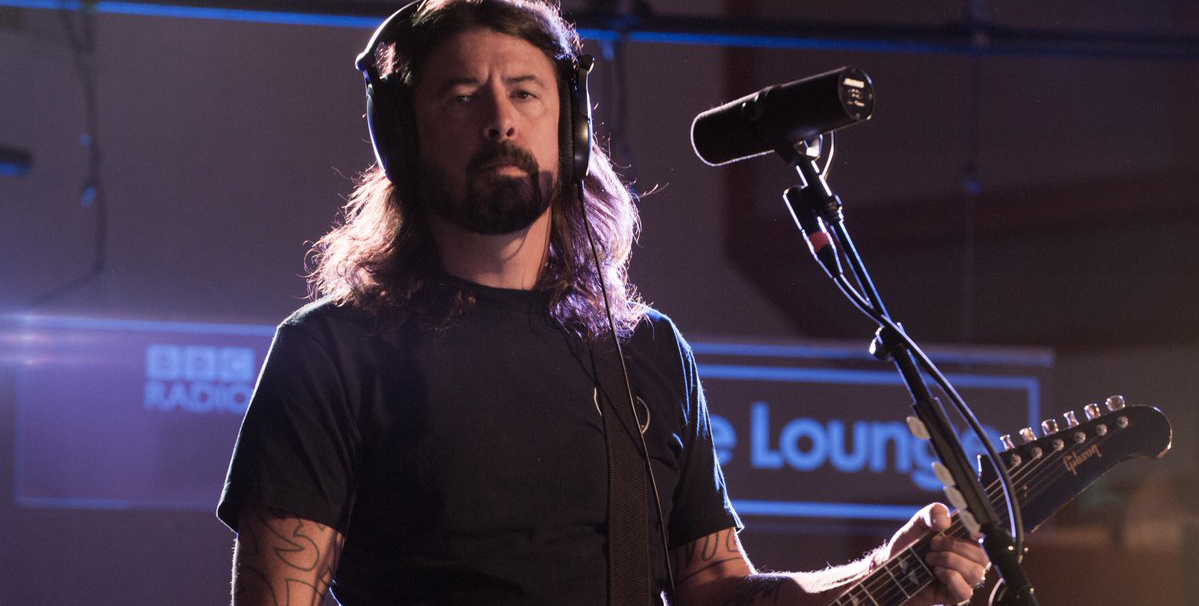 ¡Foo Fighters explotó el Live Lounge de la BBC con un tremendo show en vivo!