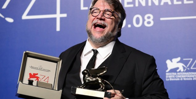 VENICE, ITALY - SEPTEMBER 09:  Guillermo del Toro poses with the Golden Lion for Best Film Award for 'The Shape Of Water' at the Award Winners photocall during the 74th Venice Film Festival at Sala Casino on September 9, 2017 in Venice, Italy.  (Photo by Vittorio Zunino Celotto/Getty Images)