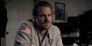 Stranger Things: ¡El oficial Hopper también baila cumbia!