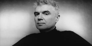 David Byrne y un hermoso homenaje a David Bowie