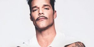El desnudo artístico (y letal) de Ricky Martin