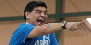 """""""Hay Diego para rato"""": Maradona rompió el silencio tras su descompensación"""