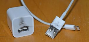 Alerta por los cables falsos de iPhone