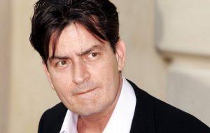 Charlie Sheen aparece en el video de un rapero