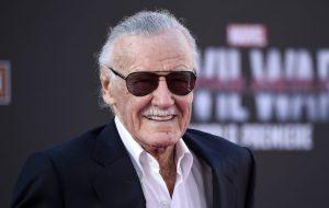 """Siri """"mató"""" a Stan Lee"""