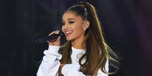"""A Ariana Grande le gritaron """"empezá de nuevo"""" en pleno show y esta fue su reacción"""