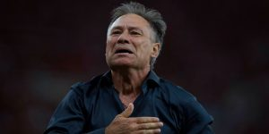 VIDEO: Independiente ganó la Suruga Bank y Holan aprovechó para tirarle un palito a Boca