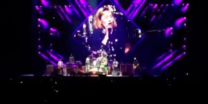 Foo Fighters se le animó a un clásico de Queen (con ayuda)