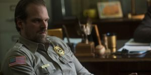 "David Harbour casó a dos fanáticos de ""Stranger things"""
