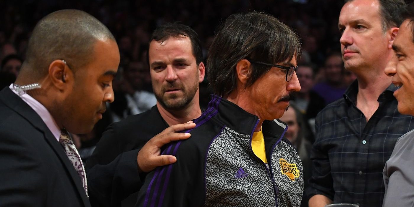 Anthony Kiedis, expulsado de un partido de la NBA por un incidente