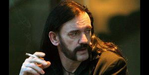 La historia de cómo un cigarrillo salvó a Lemmy de ser amputado