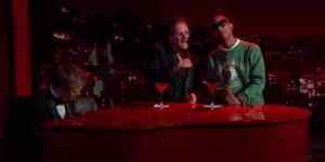 Bono y Pharrell Williams se le animaron a un clásico de Bee Gees
