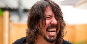 Dave Grohl hizo del Diablo con Billy Crystal como Dios