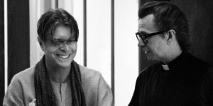 Lanzan la espectacular aplicación de Bowie, con Gary Oldman como narrador