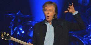 Algunos insisten en que este charco se parece a Paul McCartney