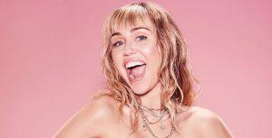 Miley Cyrus promociona su nuevo EP con preservativos y una hotline
