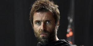 """Liam Gallagher declaró que si fuera Primer Ministro inglés """"legalizaría y mejoraría la calidad"""" de la droga"""