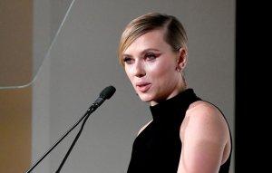 """Scarlett Johansson """"empuja"""" para una nueva película de Marvel de todas mujeres"""