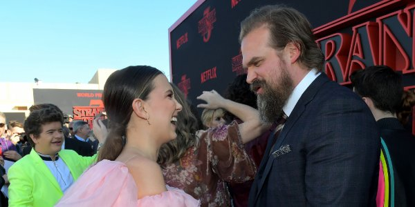 "Millie Bobby Brown evitó que David Harbour spoilee la cuarta temporada de ""Stranger Things"""