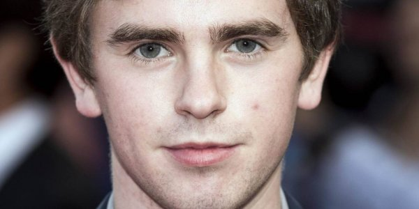 ¿Freddie Highmore deja The Good Doctor?